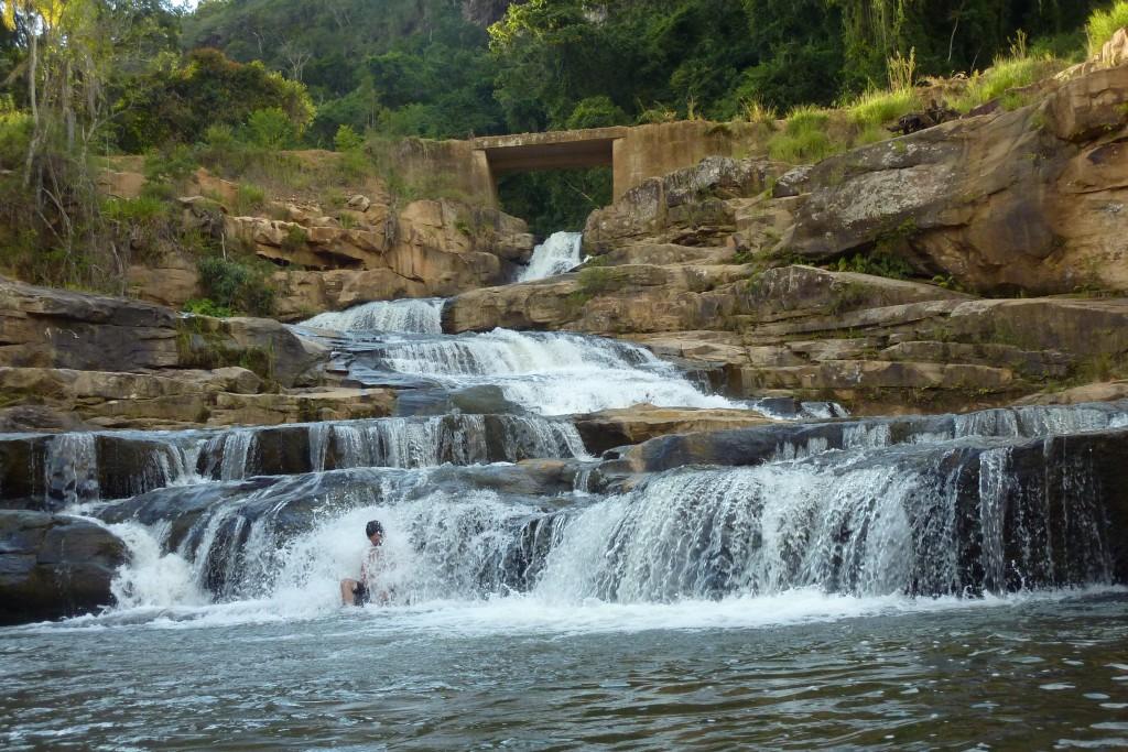 Primeira cachoeira, embaixo da ponte.